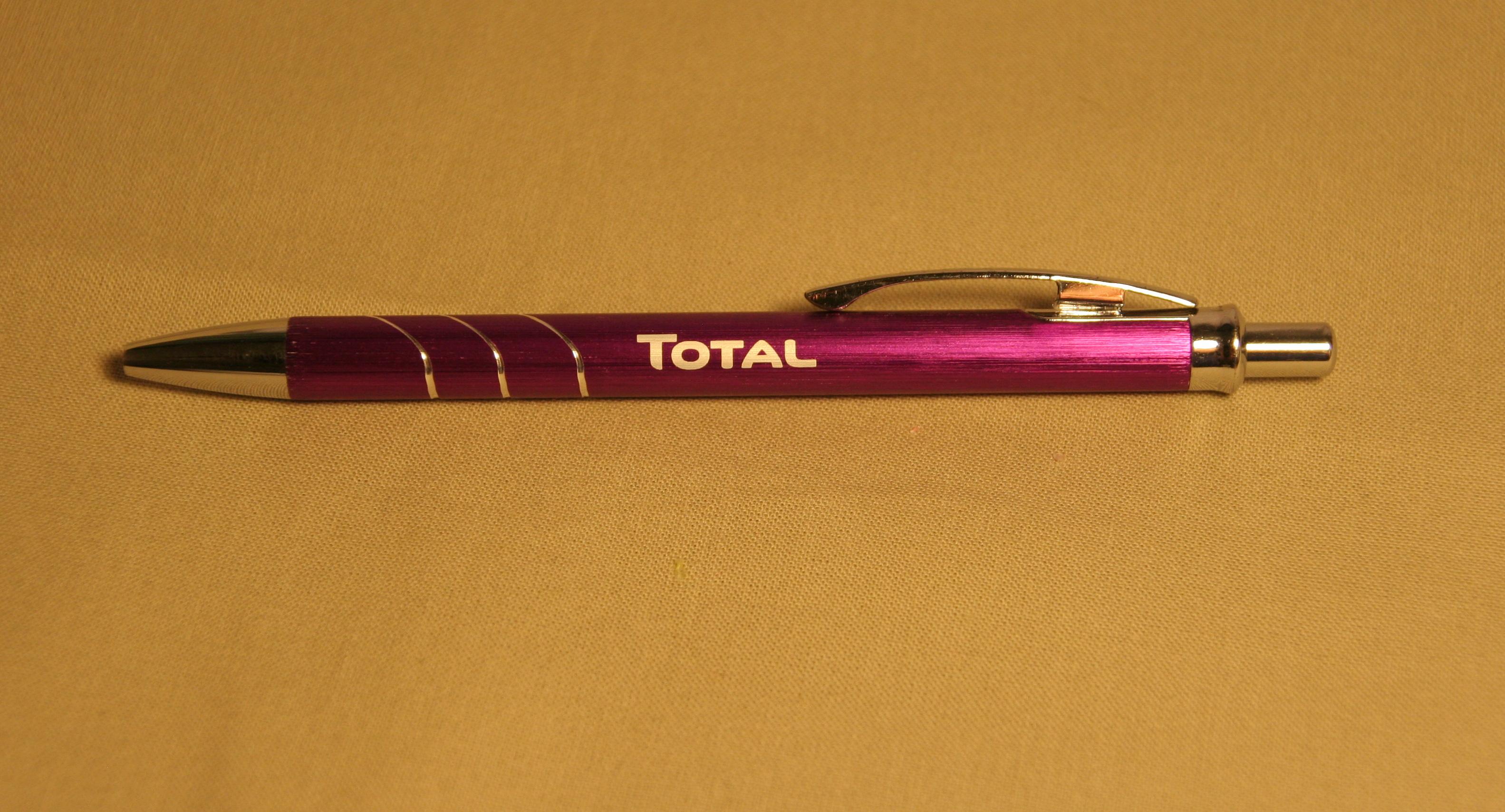gravírování eloxovaného těla tužky